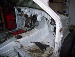 derek03s 1990 Mazda B2200 photo thumbnail