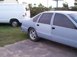 bagedhards 1995 Chevy Impala photo thumbnail
