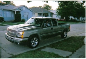 sittinon20sumthangss 2003 Chevrolet Silverado photo thumbnail