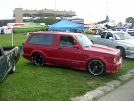 BaggedTys 1994 Chevrolet Blazer photo thumbnail