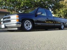 latinracer69s 1997 Chevy Full Size P/U photo thumbnail
