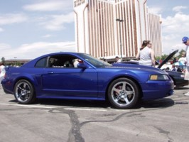 Flooreds 2000 Ford Mustang photo thumbnail