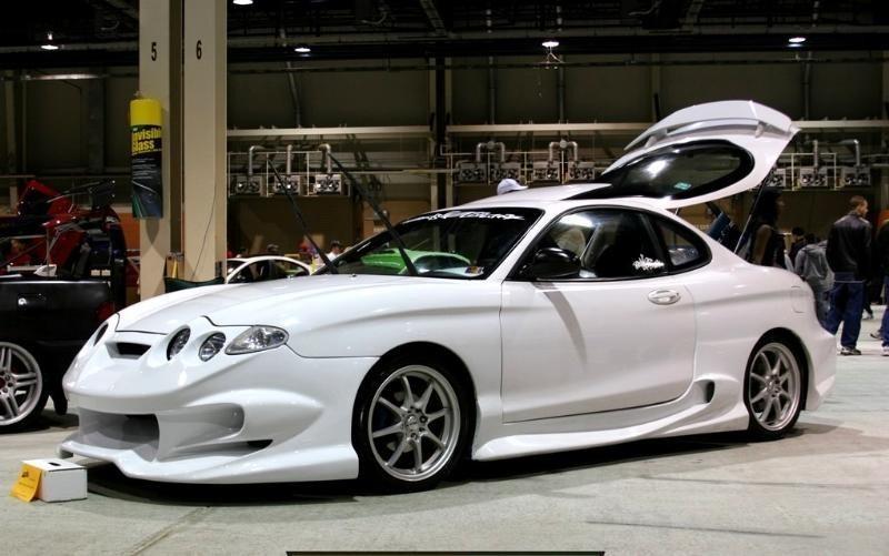 dquickstas 2001 Hyundai Tiburon photo