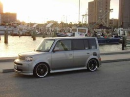mazdabooms 2004 Scion xB photo thumbnail