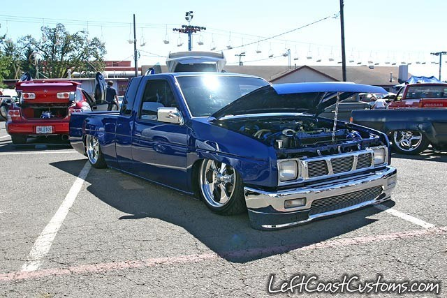 SICKANDTWYSTEDs 1987 Nissan Hard Body photo