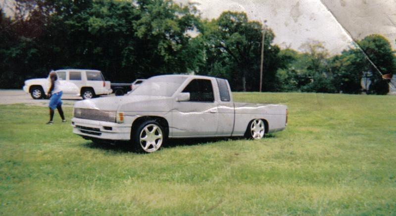 stlplayswittruckss 1994 Nissan Hard Body photo