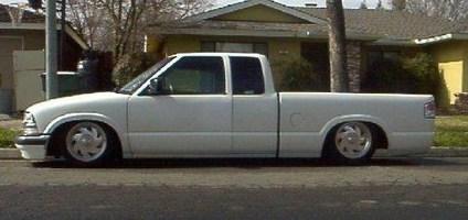 minitruckinamys 2000 Chevy S-10 photo thumbnail