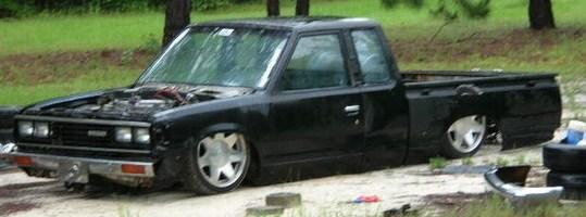 MackECs 1981 Nissan King Cab photo thumbnail