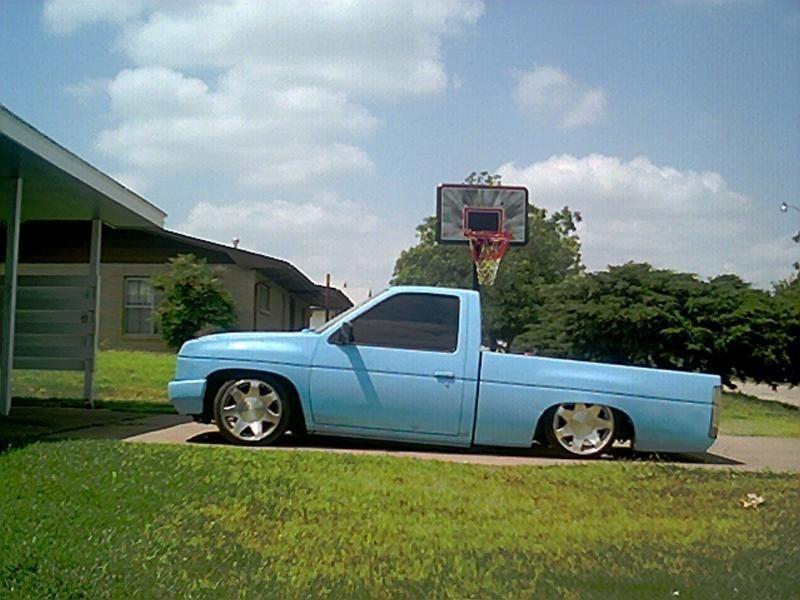 lownism0s 1993 Nissan Hard Body photo