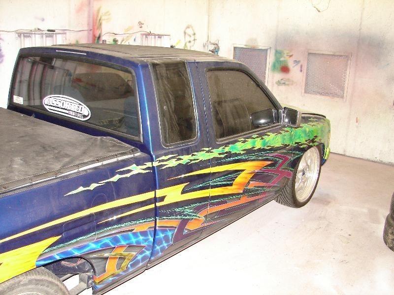 lowrydess 1995 Nissan King Cab photo