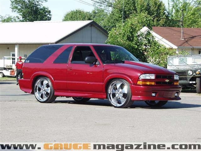 lomass 2002 Chevy Blazer Xtreme photo