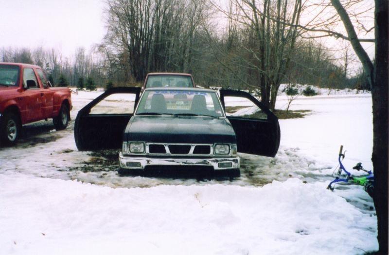 twistedlowriders 1987 Nissan Hard Body photo