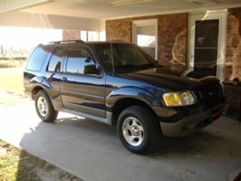 scars1976s 2003 Ford  Explorer photo thumbnail
