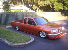 lowfros 2000 Nissan Frontier photo thumbnail