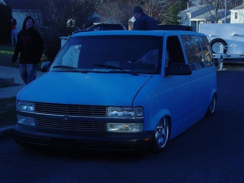 Grnded Addctnss 1988 Chevy Astro Van photo