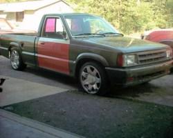 roach25681s 1987 Mazda B2200 photo thumbnail