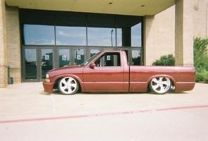 low2tones 1998 Chevy S-10 photo thumbnail