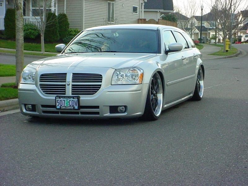 kevinl1058s 2005 Dodge Magnum photo