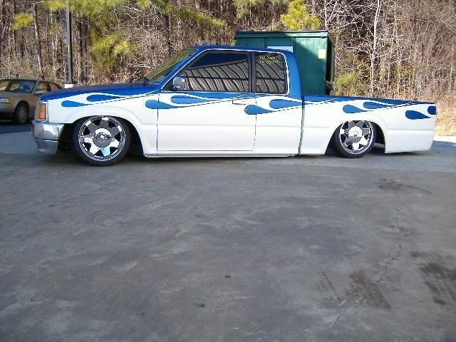 twhitlows 1990 Mazda B2000 photo