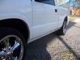 SittinPretti18s 2003 Chevy S-10 photo thumbnail