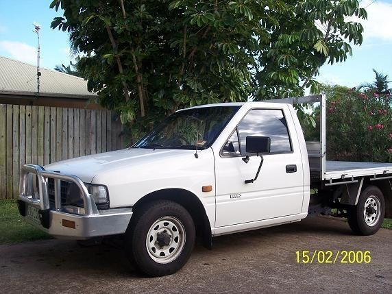 FULL COLLAPSEs 1994 Toyota Pickup photo