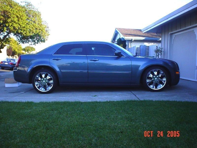 b420sponges 2005 Chrysler 300C photo