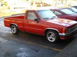 BigYotaMans 1987 Toyota 2wd Pickup photo thumbnail