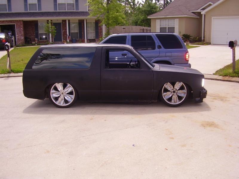 i cut its 1987 Chevy S-10 Blazer photo