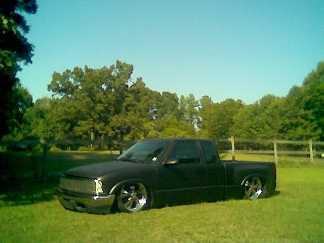 lowfires 1997 Chevy S-10 photo