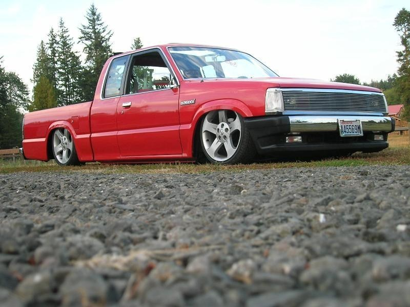 ROLOs 1991 Mazda B2600 photo