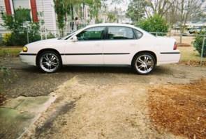 Dawnisty211s 2005 Chevy Impala photo thumbnail