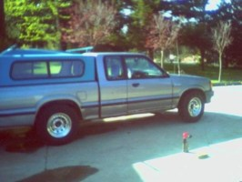 Rich002s 1990 Mazda B2200 photo thumbnail