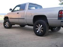 badcomas 2001 Dodge Ram 1/2 Ton P/U photo thumbnail