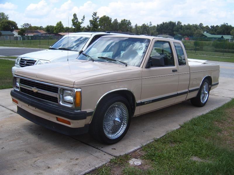 elio05s 1993 Chevy S-10 photo