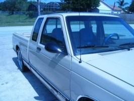 elio05s 1993 Chevy S-10 photo thumbnail