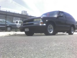 grills 2001 Chevrolet Blazer photo thumbnail