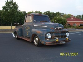 LOWFOMOCOs 1951 Ford F100 photo thumbnail