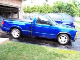 BLaZiN LoW s10s 1988 Chevy S-10 photo thumbnail