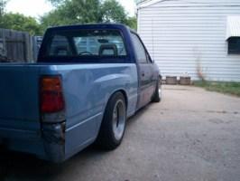 sweetnsilvers 1990 Toyota Pickup photo thumbnail