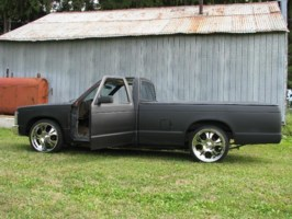 Streatchs 1986 Chevy S-10 photo thumbnail