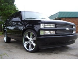 lodownndirtys 1999 Chevrolet Tahoe photo thumbnail