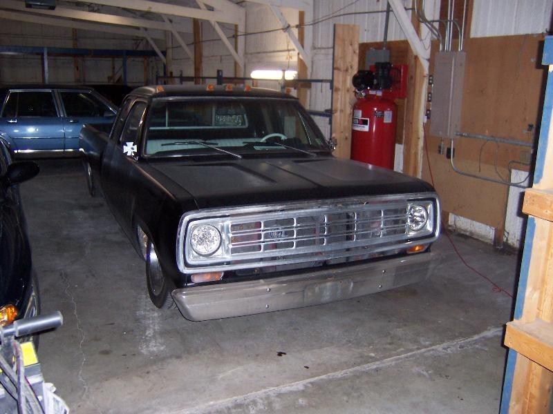 OUTCAST13s 1975 Dodge D-100 Custom photo