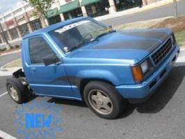 in2deeps 1992 Mitsubishi Mighty Max photo thumbnail