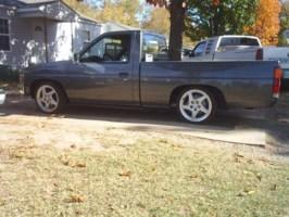 91 drggn dimes 1991 Nissan Hard Body photo thumbnail