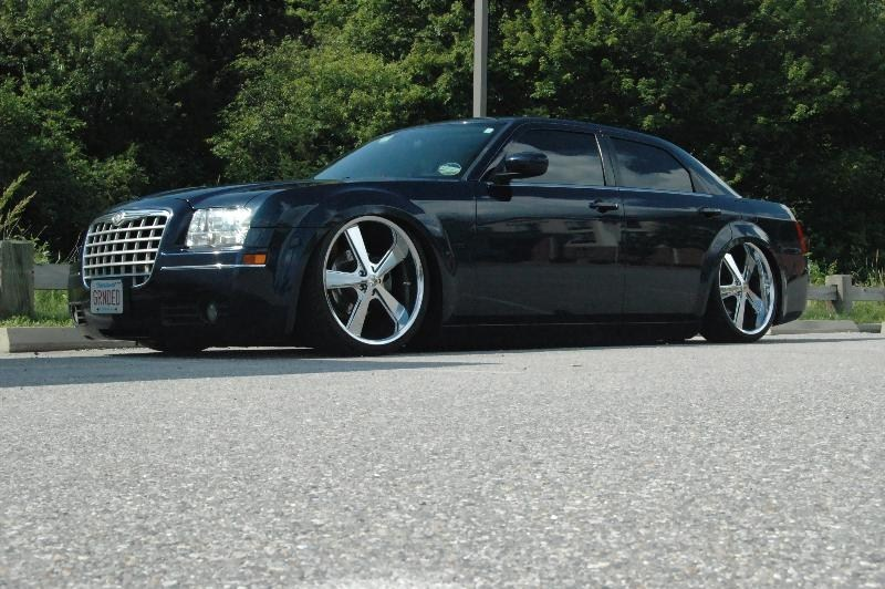 Low_SSTs 2005 Chrysler 300C photo