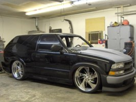 TRILOGYZ28s 2001 Chevy Blazer Xtreme photo thumbnail