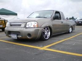 pugzs 2003 Nissan Frontier photo thumbnail