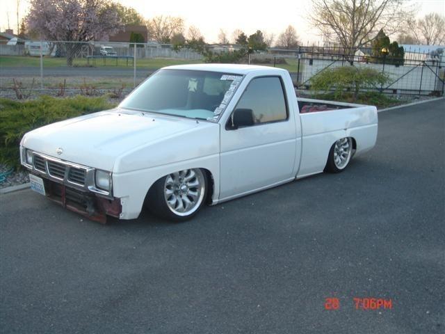 gtpunk18s 1995 Nissan Hard Body photo