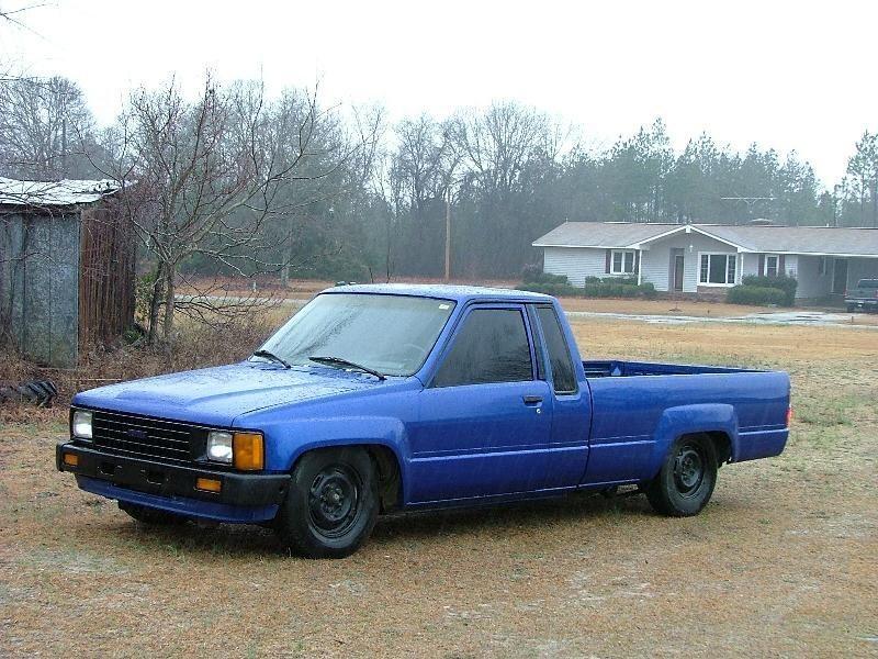 scyotas 1986 Toyota 2wd Pickup photo