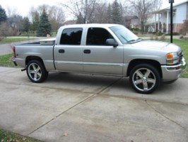 bdubz420s 2005 GMC 1500 Pickup photo thumbnail